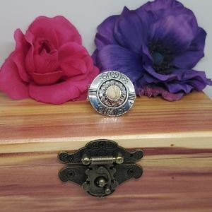 Grecian style ring